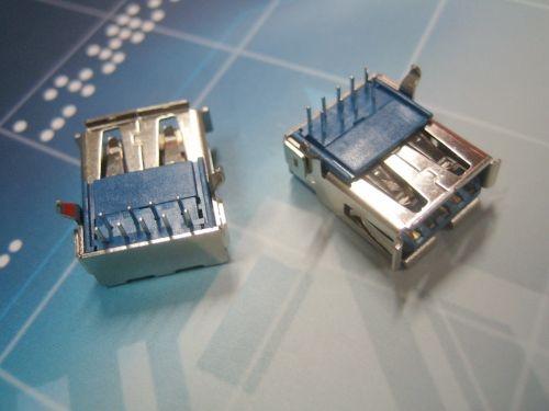 USB 3.0 连接器